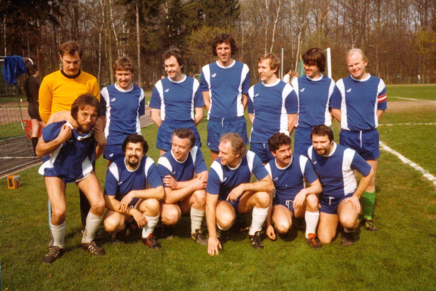 Neue Mannschaftsfotos aus den Jahren 1981-1999